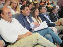 """Juanma Moreno y Sebastián Pérez respaldan a la candidata de Salobreña tras una campaña en la que ha """"llamado a la puerta de las 5.000 casas del pueblo"""