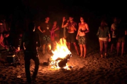 La alcaldesa de Almuñécar recuerda en un Bando el adecuado uso de las playas con motivo de la Festividad de San Juan 2016