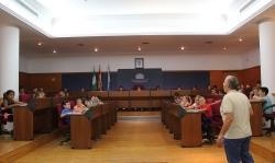 La alcaldesa recibe a medio centenar de niños y niñas del Colegio Público 'Virgen de la Cabeza'