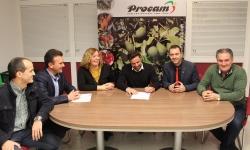 La alcaldesa destaca que las ayudas de la OPFH entregadas a PROCAM son muestra de la calidad de las empresas agrícolas motrileñas