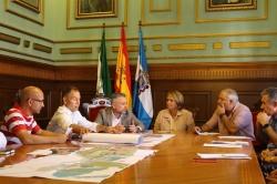 El Ayuntamiento pedirá a Costas espacio público para habilitar aparcamientos en la Playa de Poniente