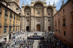 Más de 5.000 personas han disfruto con Milnoff del flamenco por las calles de Granada