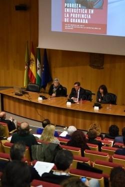 Diputación reúne a municipios, consumidores y empresas para dar respuesta a la pobreza energética en la provincia