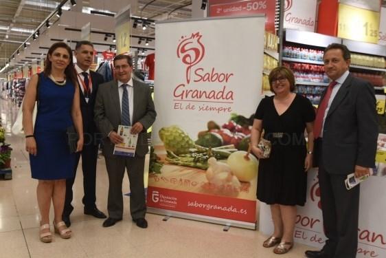 Diputación promociona los productos de la marca 'Sabor Granada' en los centros Carrefour
