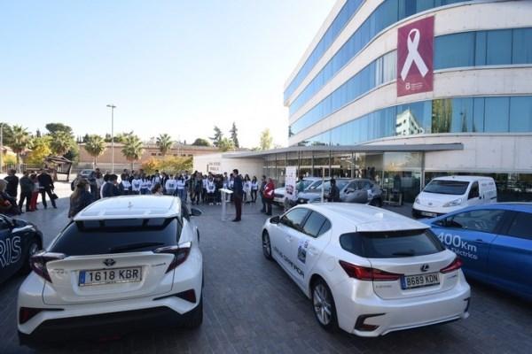 Diputación recibe una caravana de 12 vehículos eléctricos y 50 alumnos de secundaria