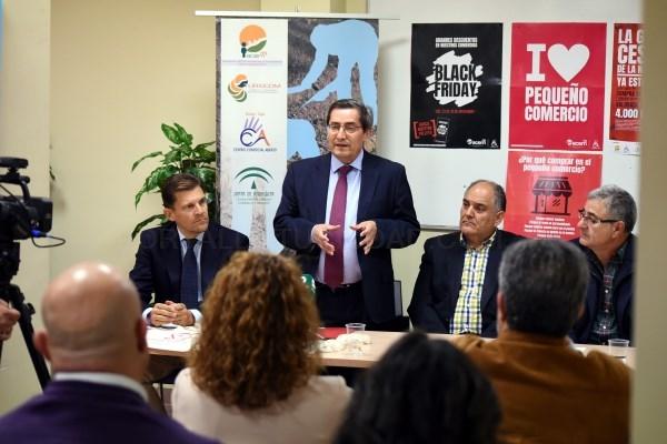 Diputación destaca la importancia del comercio local para el empleo y la actividad de los municipios