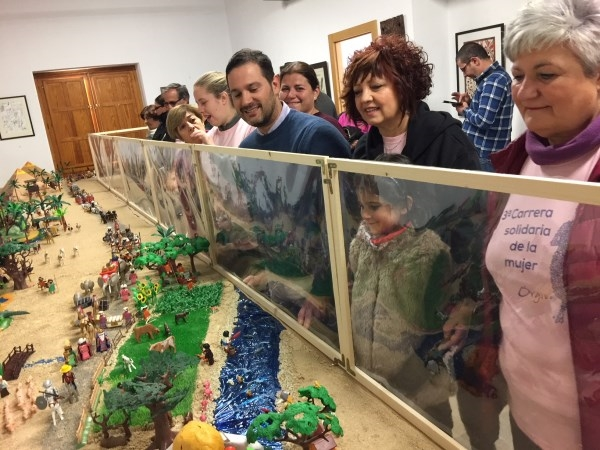 Un enorme Belén de 30.000 piezas de PlayMobil se convierte en uno de los principales atractivos navideños en Órgiva