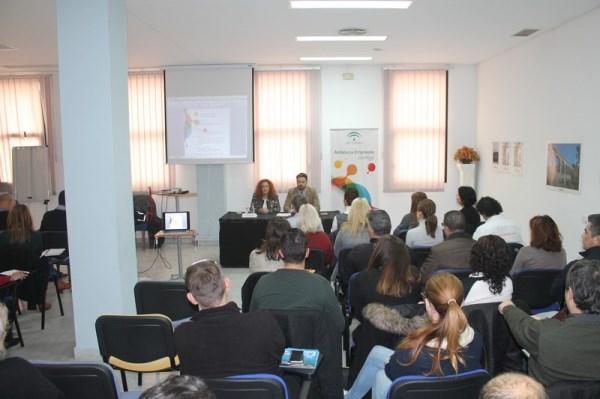 Junta y empresarios de la Costa de Granada apuestan por  los modelos de negocio online para mejorar la oferta