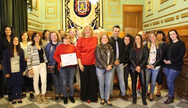 LA ALCALDESA RECIBE A UN GRUPO DE PROFESORES PROVENIENTES DE FINLANDIA, GRECIA, ITALIA Y MáLAGA QUE VISITAN MOTRIL DENTRO DEL PROGRAMA ERASMUS+