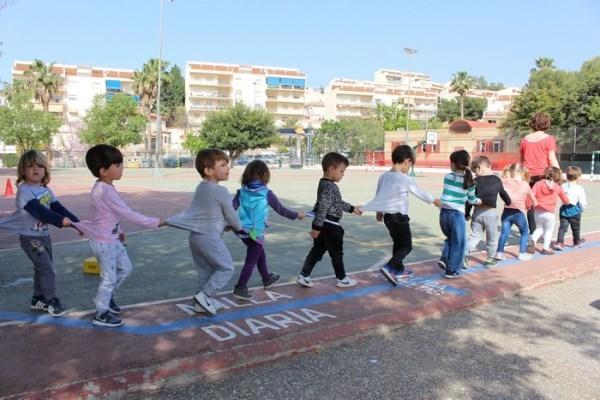 El programa La Milla Diaria busca prevenir el sedentarismo y la obesidad infantil en los centros educativos de Motril