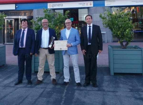 """Almuñécar galardonada con la """"Escoba de Platino"""" en la Feria Internacional de Urbanismo y Medio Ambiente"""