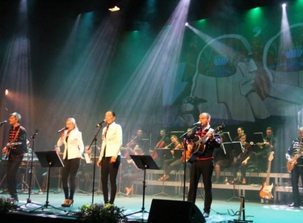 ALMUñéCAR RINDIó HOMENAJE Y RECORDó A THE BEATLES CON UN GRAN CONCIERTO