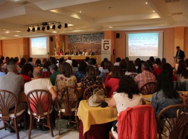 LA ESCUELA DE VERANO DE SERVICIOS SOCIALES REúNE A 250 PROFESIONALES EN ALMUñéCAR