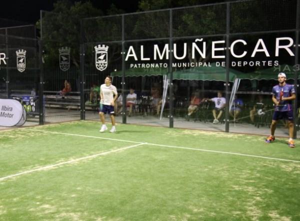 Almuñécar abre las instalaciones de pádel tenis y tenis de mesa hasta las 23 horas