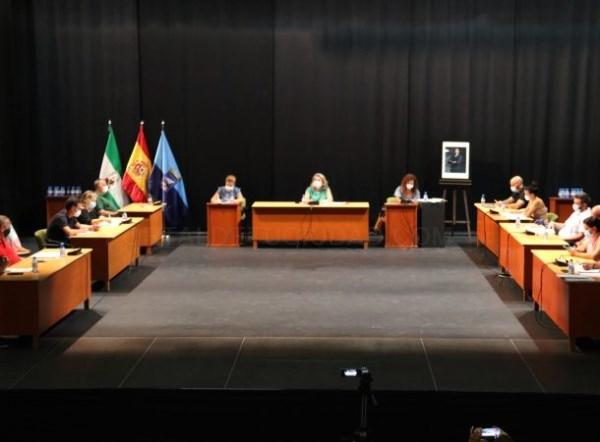 El Ayuntamiento de Almuñécar debate en pleno una moción de Adelante IU contra la subida del agua por el Gobierno de la Mancomunidad