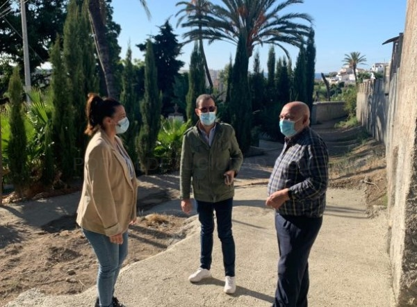 El Ayuntamiento de Almuñécar mejora el acceso peatonal al IES Antigua Sexi por la calle Necrópolis