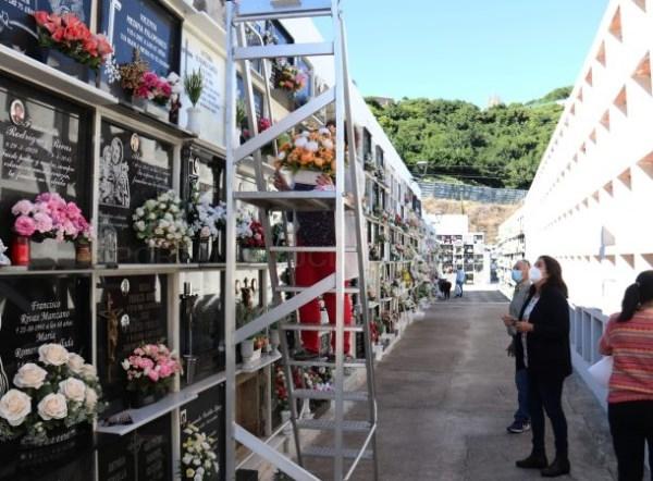 Los cementerios de Almuñécar y La Herradura están ya a punto con las medidas especiales con motivo del Día de los Santos