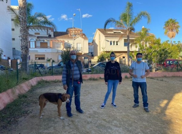 Almuñécar pretende habilitar un nuevo parque canino en la zona de San Cristóbal y contar con una nueva ordenanza sobre la tenencia de animales