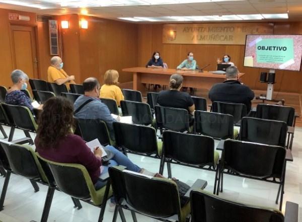 Almuñécar celebra charla-informativa con las AMPAS de los centros educativos locales sobre los protocolos a seguir si se detectan casos de Covid-19