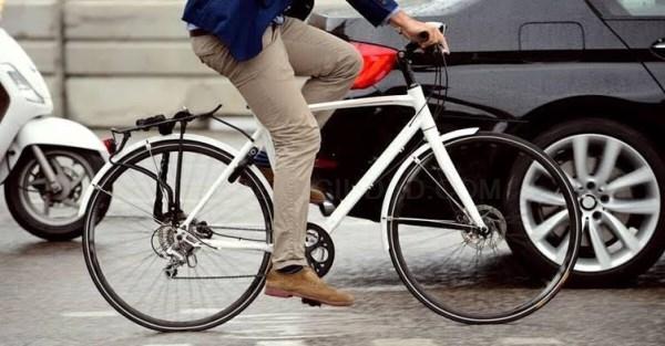 El 79% de los conductores cree que los ciclistas deberían tener seguro de circulación