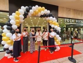 Lola Ruiz inaugura en pleno centro de Motril un moderno establecimiento de moda en una apuesta por la ciudad