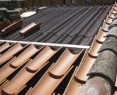 Aislamiento térmico de cubiertas., InstalaciÓn de onduline bajo teja