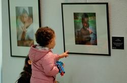 Las Rozas muestra en una exposición de fotos la vida cotidiana de las personas con discapacidad