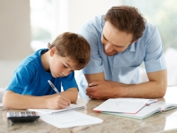 """Taller """"Aprender a estudiar en casa"""": orientación para que los padres mejoraren los hábitos de sus hijos"""
