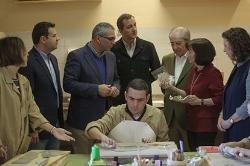 El consejero de Políticas Sociales y el alcalde visitaron la residencia y el centro de día para personas adultas con autismo de Nuevo Horizonte