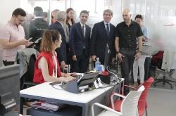 GARRIDO PONE LA OFICINA DE ATENCION AL REFUGIADO A DISPOSICION DE LOS INMIGRANTES DEL BUQUE AQUARIUS.
