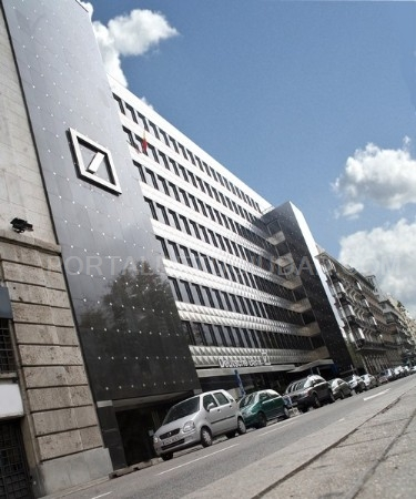 Deutsche bank compra un edificio de oficinas de las rozas for Oficinas de deutsche bank en madrid