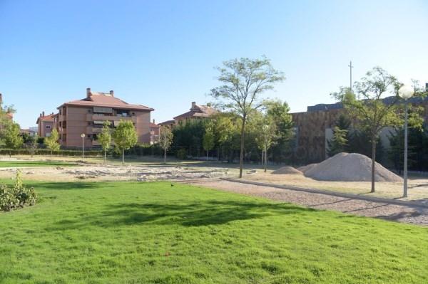 Comienzan las obras de remodelación integral del parque Miguel Hernández.