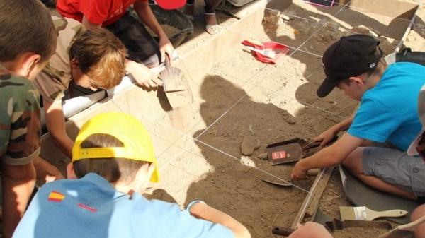 Más de 3.400 madrileños participaron en la tercera edición de 'Arqueólogos por un día'.