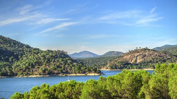 Las reservas de agua marcan récord histórico en el nuevo año hidrológico.