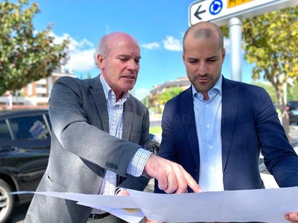 El Ayuntamiento de Majadahonda está renovando por completo la señalización informativa de la ciudad con la instalación de 700 nuevas señales.