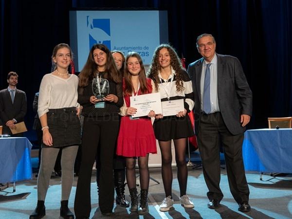 El IES El Burgo-Ignacio Echeverría ha resultado vencedor del VII Torneo Municipal de Debate Escolar de Las Rozas