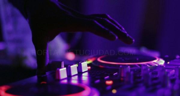 Autorizamos a discotecas y bares de copas ofrecer servicios de hostelería y restauración