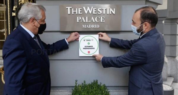 Reconocemos con el distintivo Garantía Madrid al hotel Palace por sus prácticas frente al COVID