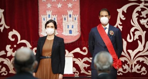 Díaz Ayuso impone la Gran Cruz de la Orden del Dos de Mayo a Rafa Nadal