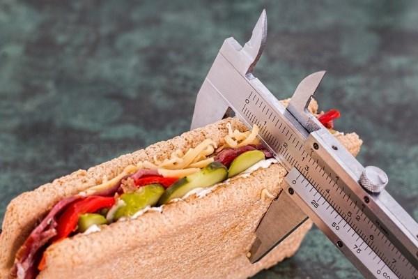 Descubre algunos trucos para perder peso* sin pasar hambre