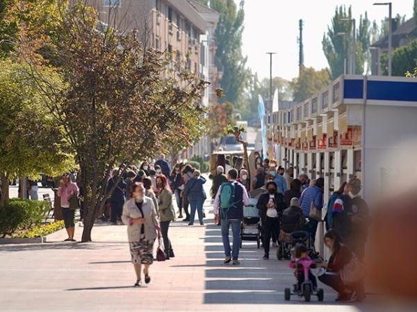 """La Feria del Libro en la calle Real y """"Currents"""", de Mayumana, entre las propuestas para el fin de semana"""