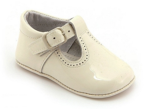 Leon shoes, calzado español, tacones para niña