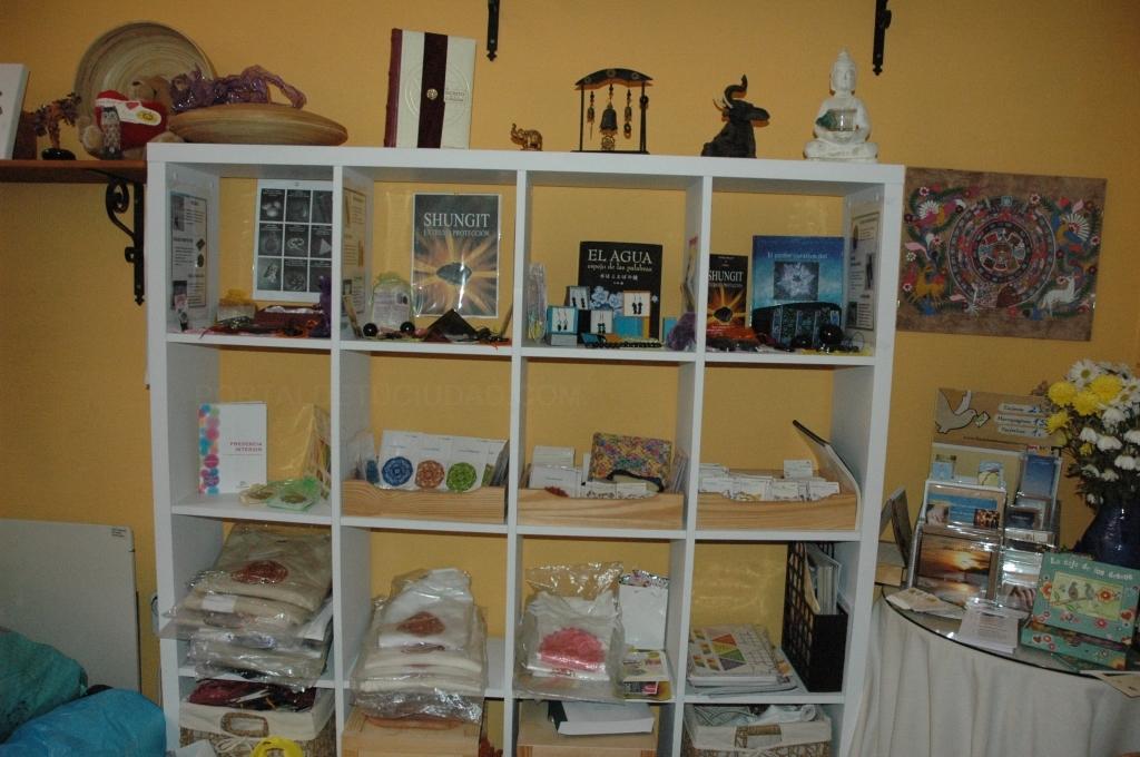 Sala de entrada y productos shungit y holosintesis