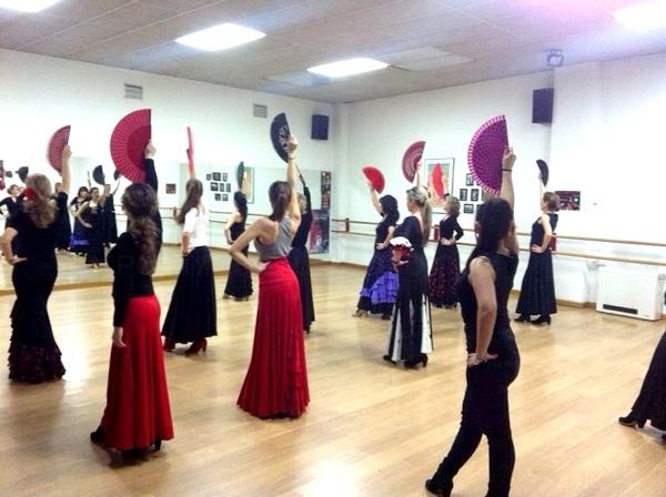 Escuela de Flamenco,clases de flamenco,clases de sevillanas,toque de castañuelas