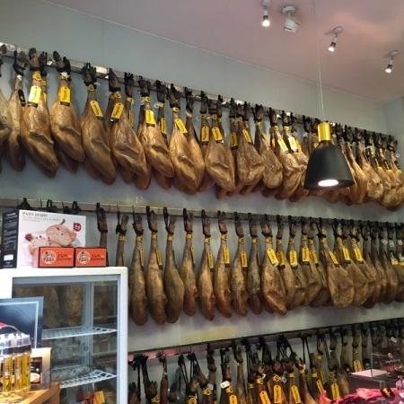 Jamonería Salgado Ramos,quesos,mermeladas artesanas,conservas extra,vinos,jijas,pluma