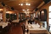 restaurante intimo con terraza, solomillo de buey