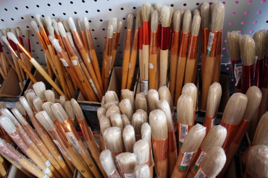 fabricacion de pintura,panton de colores,rodillos,pinturas,barniz