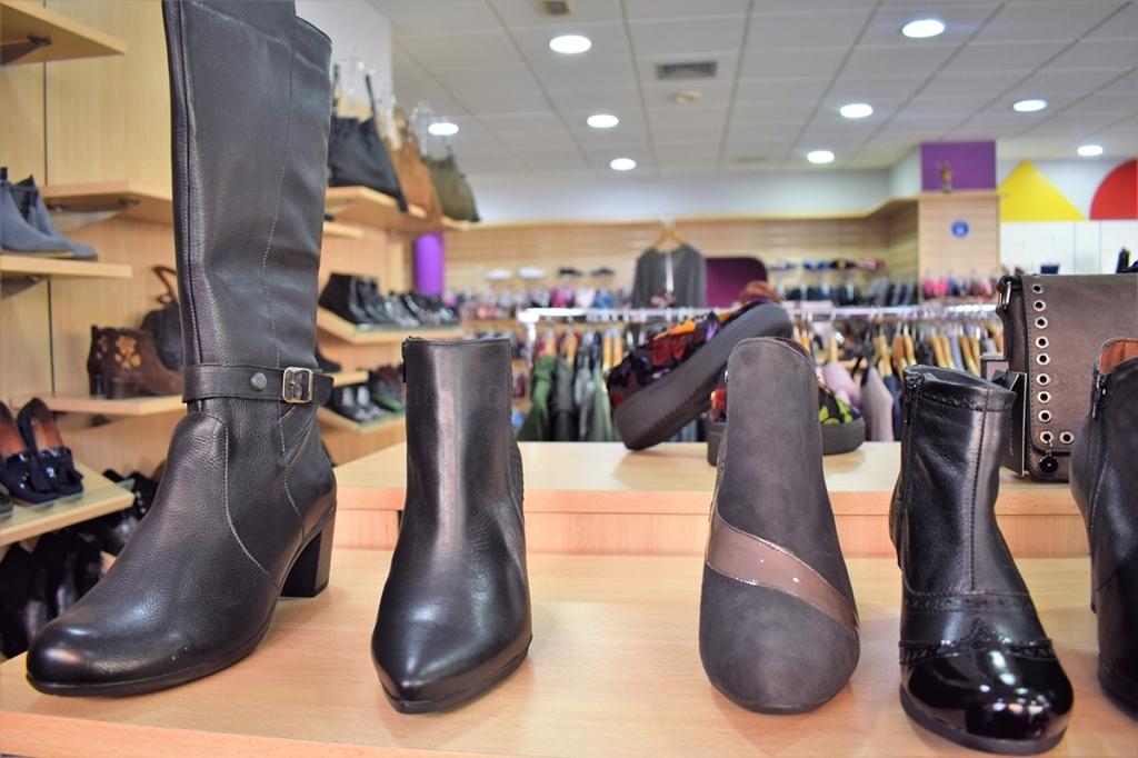 ropa con gran tallaje,tacones,converse,zapatos de moda