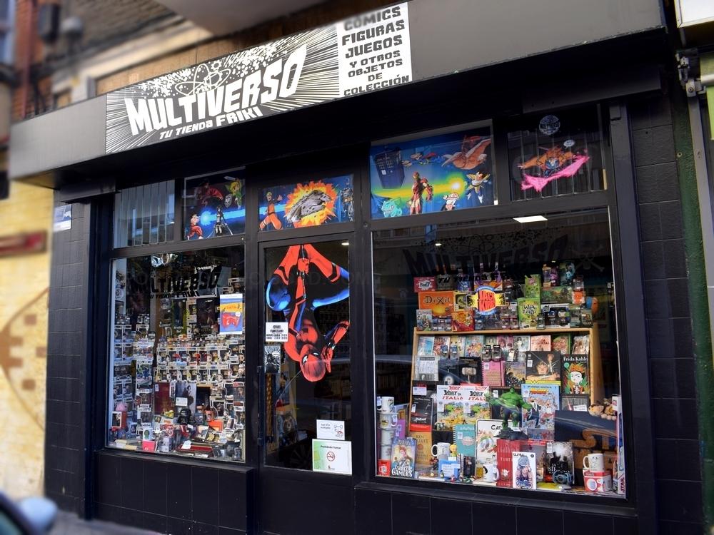 Tienda de comics valladolid,puño de hulk,thor,Batman Arkham