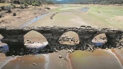 El escaso agua de los 18 embalses del Duero cabría en el pantano de Riaño
